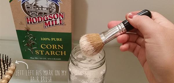 diy-dry-shampoo-how-to-brush