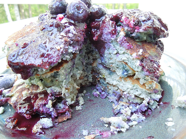 Friday Favorites low carb paleo blueberry pancakes