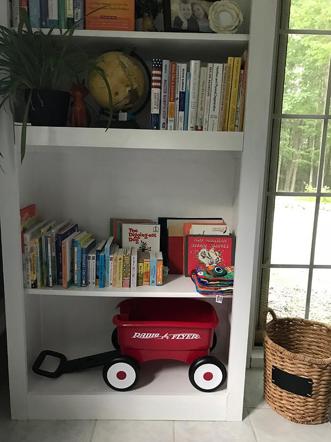 baby-book-shelf